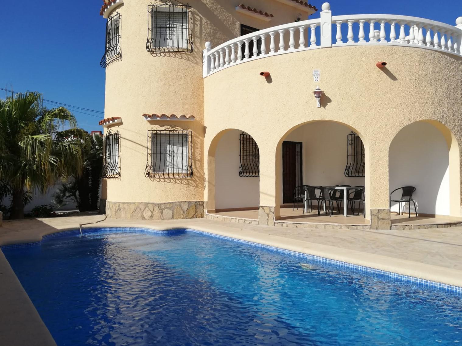 Villa -                                       Els Poblets -                                       3 dormitorios -                                       7 ocupantes