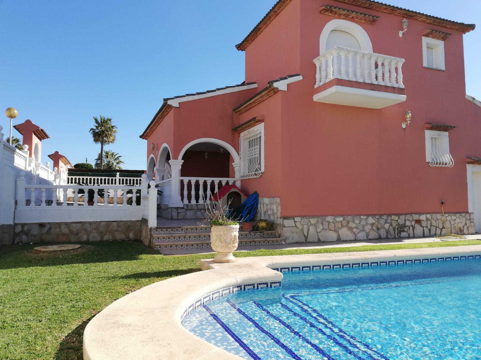 Villa -                                       Els Poblets -                                       5 dormitorios -                                       10 ocupantes