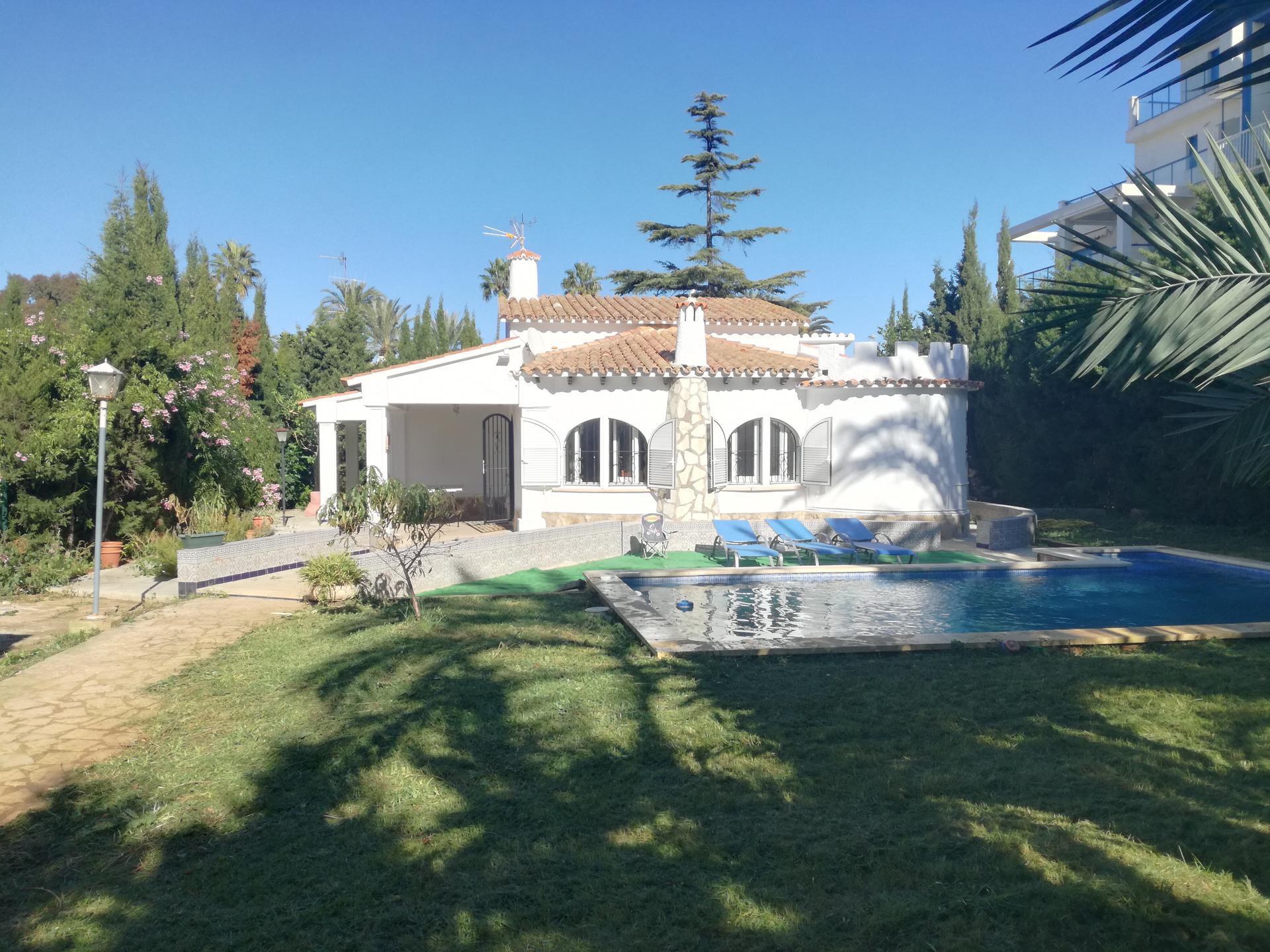 Villa -                                       Els Poblets -                                       2 dormitorios -                                       8 ocupantes